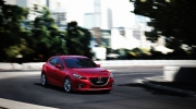 mazda3_hatchback_2013_action_03__jpg300
