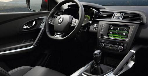 Renault inicia la venta en espa a de su nuevo crossover for Interieur qashqai 2015